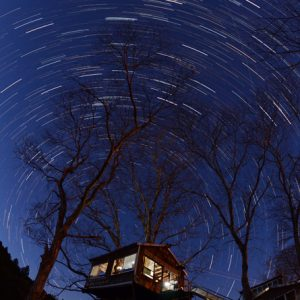 銅賞「冬夜の集会所」西岡季子